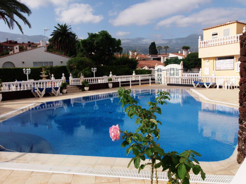 piscinas Complejo Ikarus