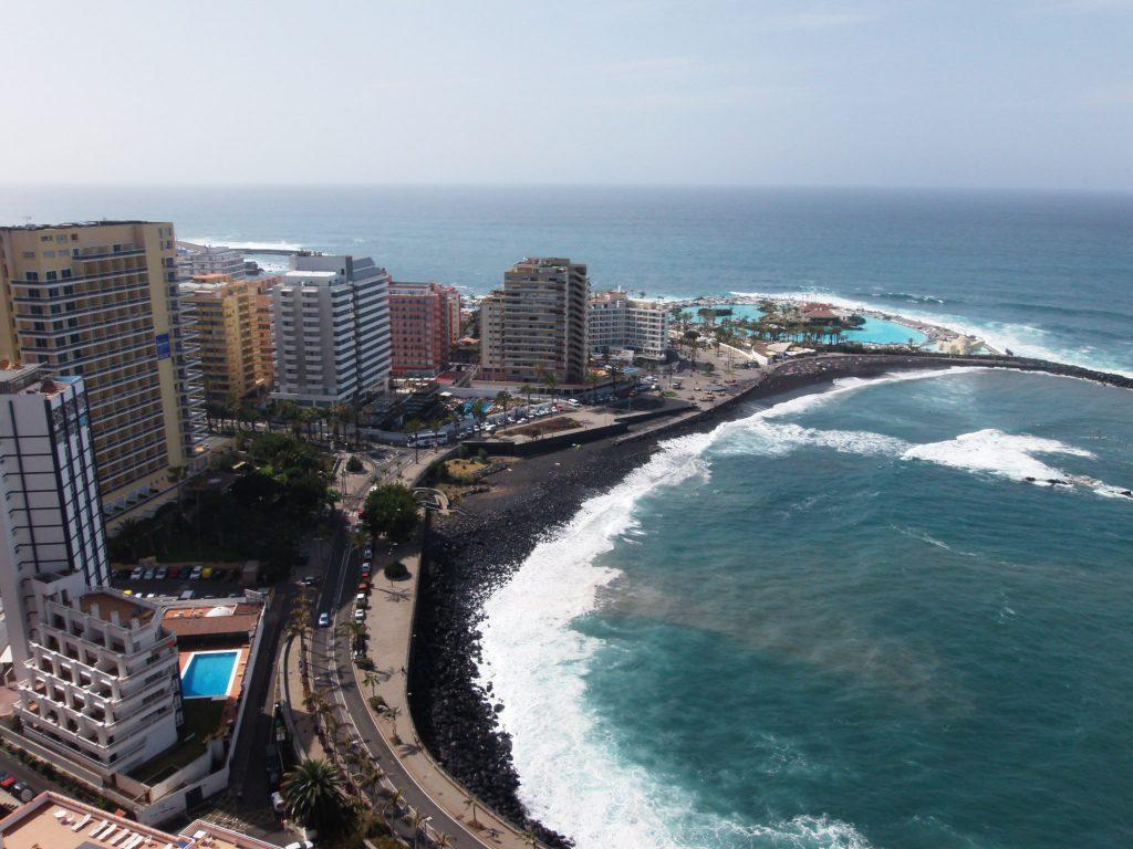 vistas mar desde balcón