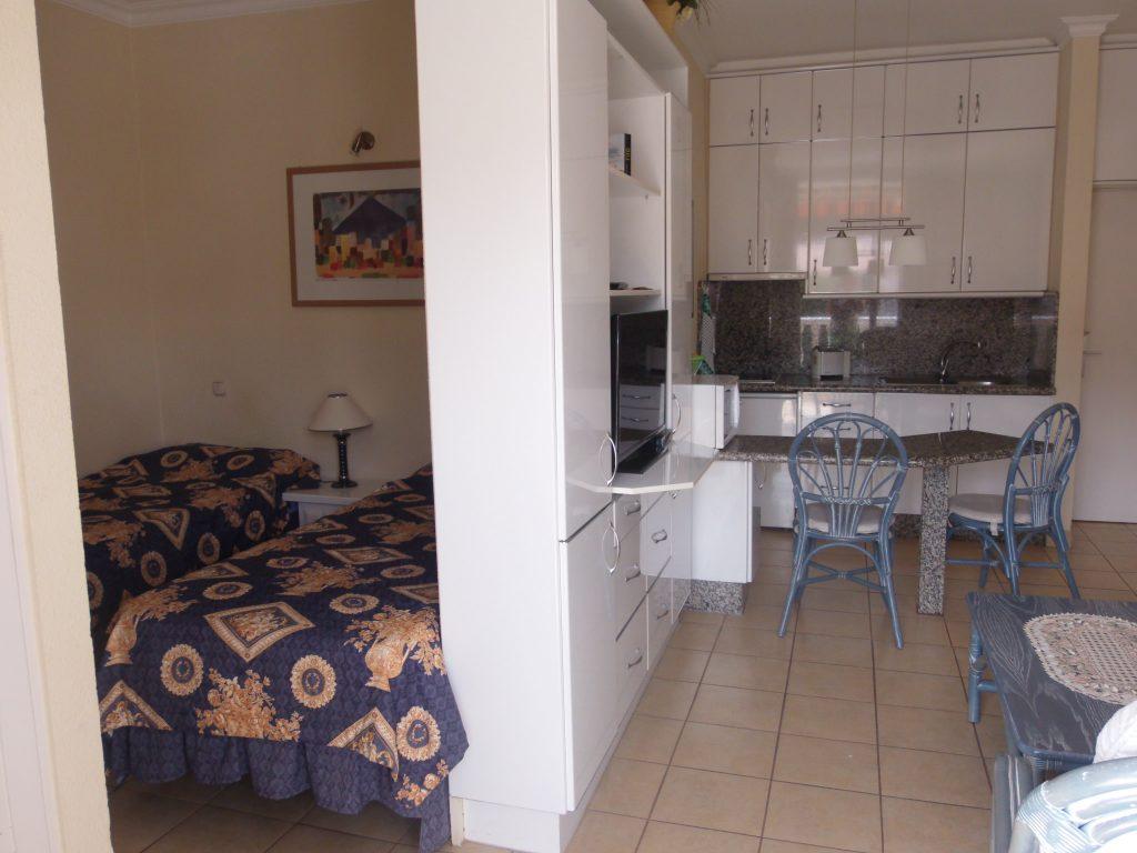 cocina y habitaciones