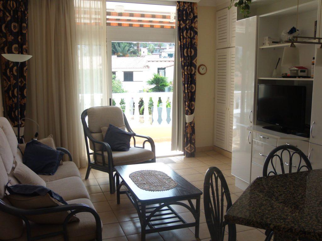 salon y balcon vistas al Teide