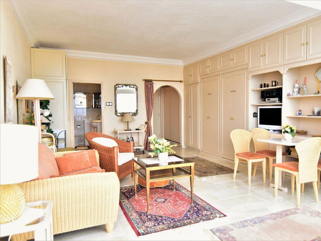 salon de lujo apartamentos Ikarus